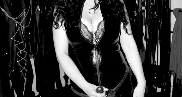 london-strapon-mistress-clarissa